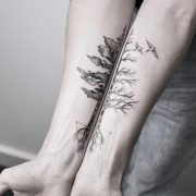 #tattoo #black and white #b&w #tree #dog #flower  pin.2elci.com Best Tattos