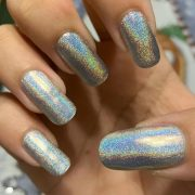 Happy Swatch Sunday everyone! Hope this beautiful Holo brightens up your day I'm...