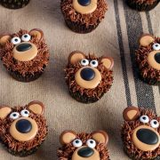 Bear Cupcakes - with Royal Icing Transfers | The Bearfoot Baker